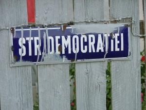 strada democratiei 1