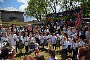 Hora serbarea copiii din Fundatura